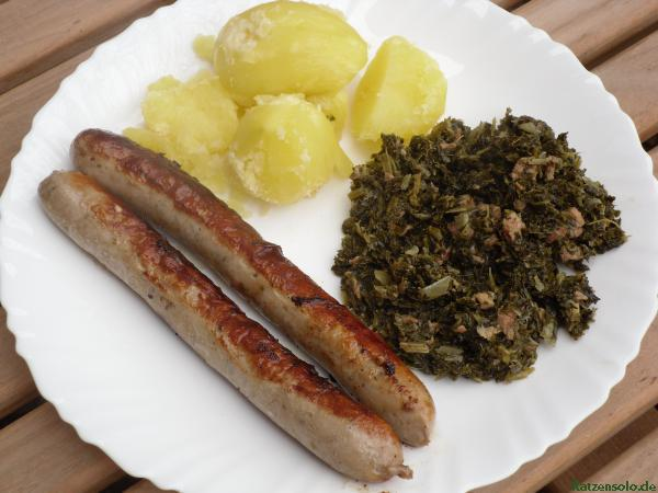 Gr&#252;nkohl mit Bratwurst